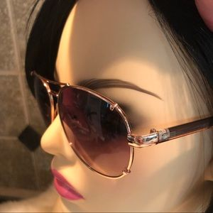 Tommy Hilfiger Accessories - Tommy Hilfiger 💛 Bradshaw Rose Gold Aviators